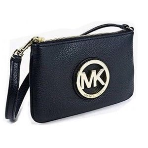 Michael Kors Fulton pebble leather wristlet black